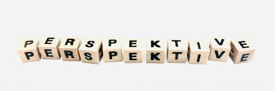 Perspektive in Holzbuchstaben
